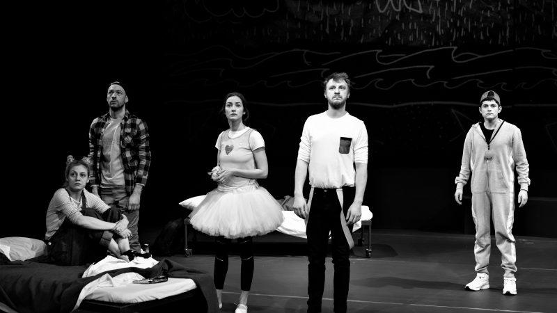 Premieră la Teatrul Național București ♦ Beginners ♦ Regia Bobi Pricop