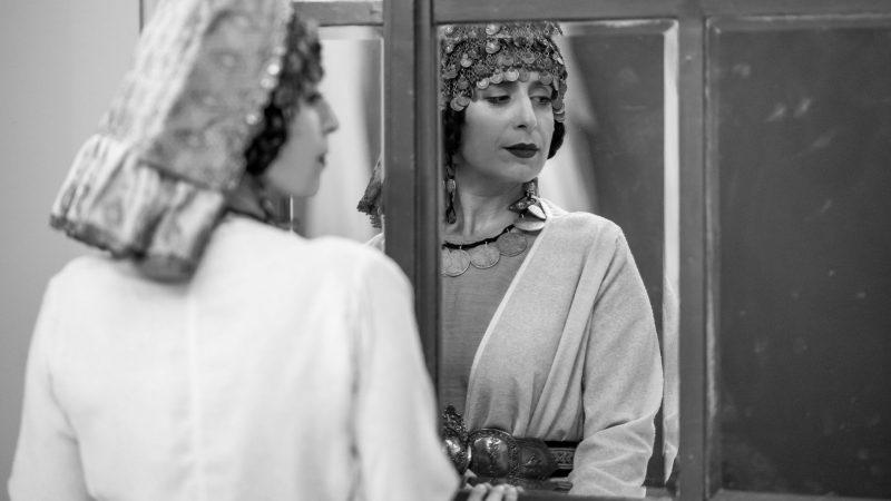 Oana Rusu – Experiența vizionării unui spectacol din confortul casei mi se pare asemănătoare unui urlet într-o cameră antifonată
